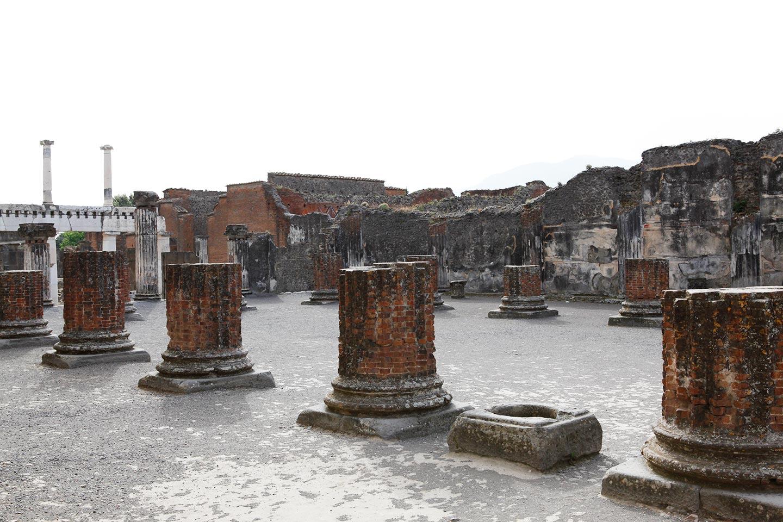 Basilika von Pompeji - Ruine