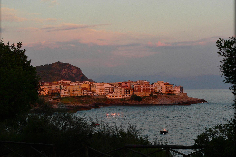Sonnenuntergang bei Marina di Camerota im Cilento
