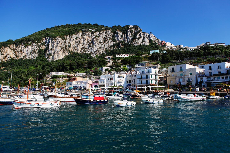 Bootsverleih an der Marina Grande auf Capri