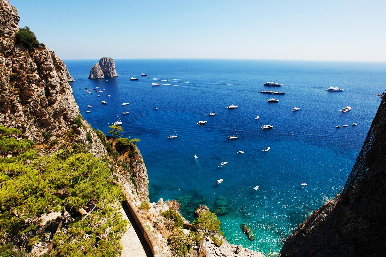 Via Krupp mit Faraglioni Panorama auf Capri