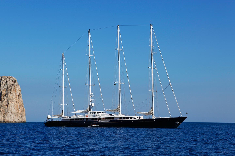 Super Luxus Yacht auf Capri