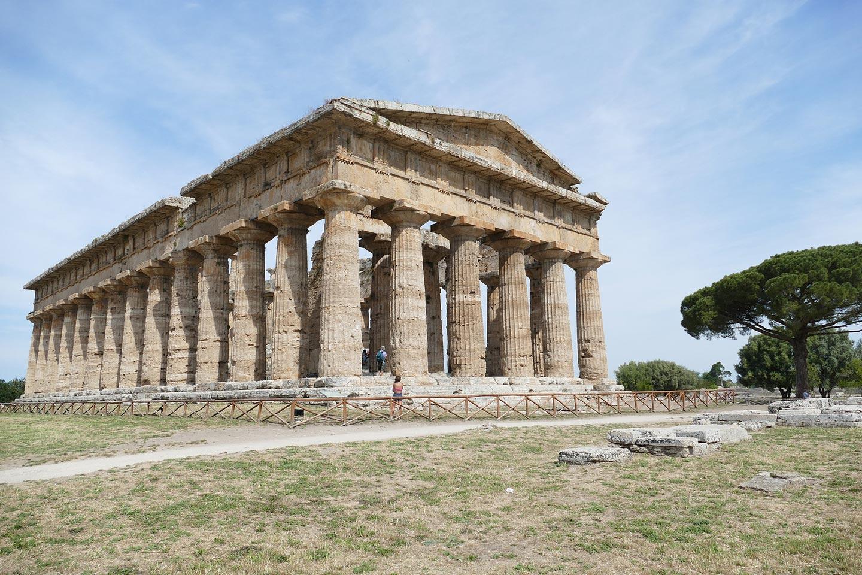 Poseidontempel in Paestum (um 450 v. Chr.) im Cilento
