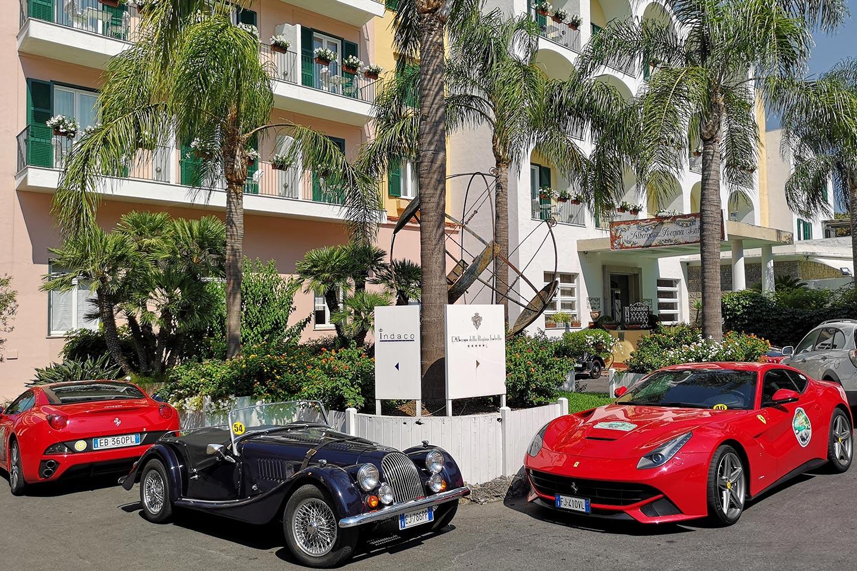 Ferrari Treffen am Hotel Regina Isabella auf Ischia