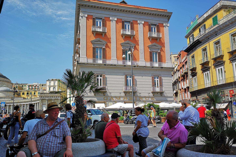 Caffè Gambrinus im Zentrum von Neapel