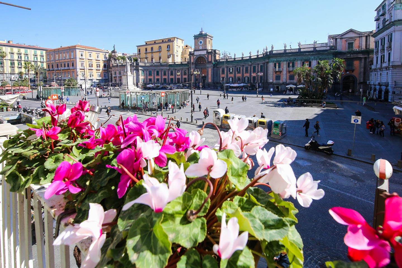 Piazza Dante in Neapel