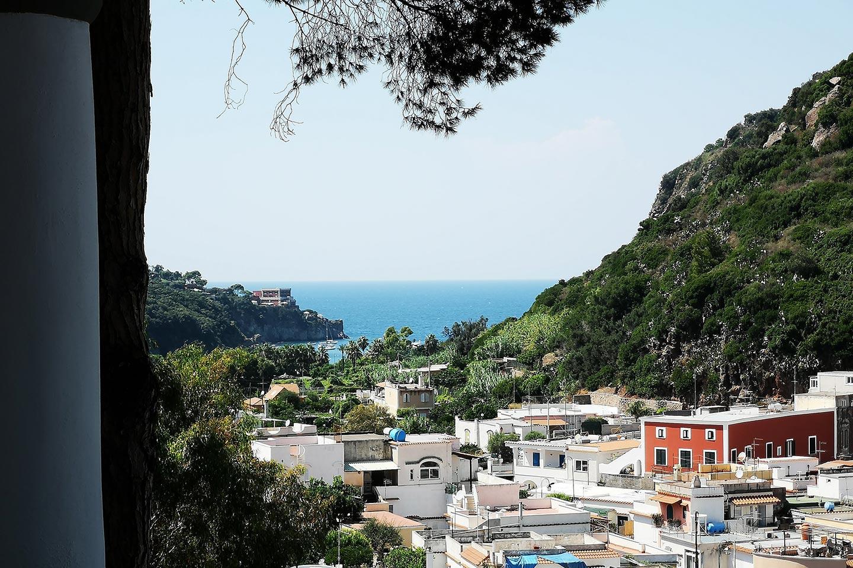 Nekropole im Tal von San Montano auf Ischia
