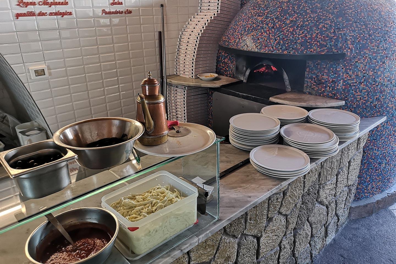 Pizza Holzofen auf Ischia