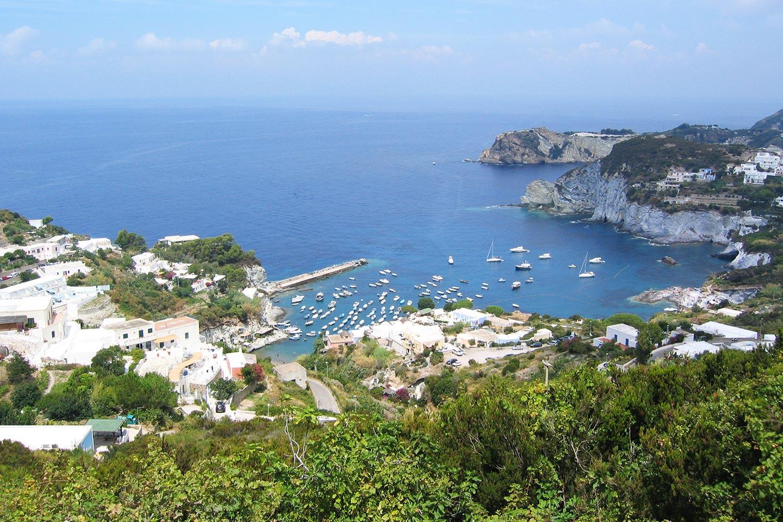Bucht von Feola bei Le Forna auf Ponza