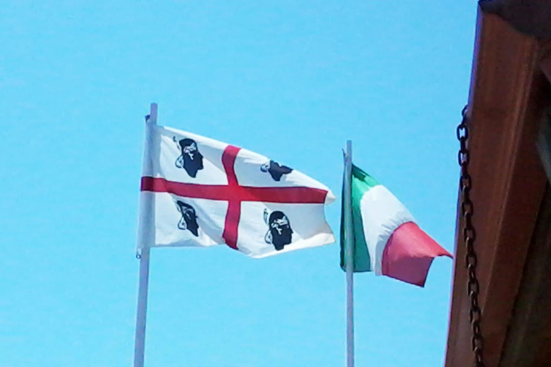 Flagge der Region Sardinien