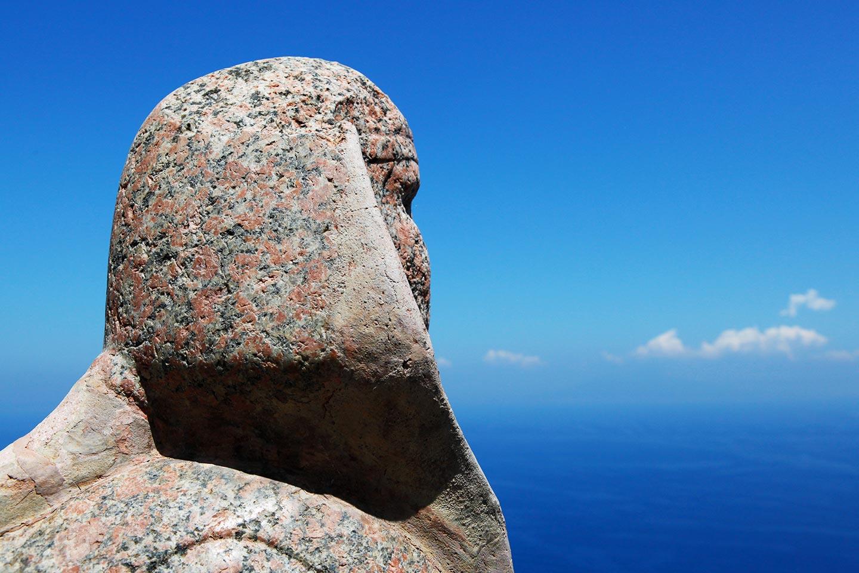 Sphinx aus Granitstein auf Capri